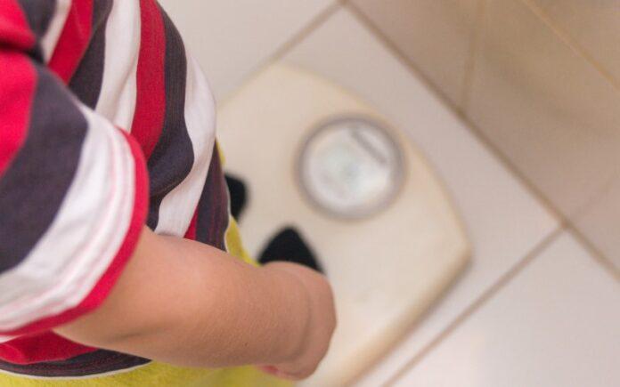 Para combatir la obesidad infantil, los médicos israelíes prescriben una aplicación que ludifica la pérdida de peso